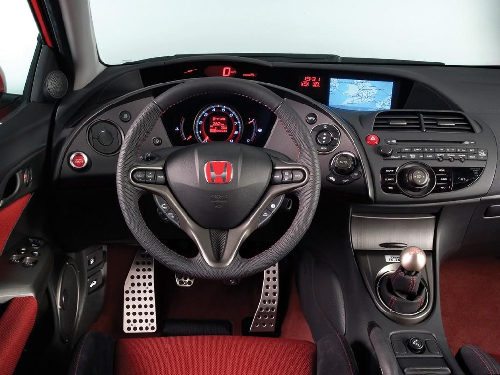 2007-Honda-Civic-Type-R-Interior-Dashboard-Wallpaper